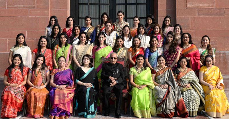 The President, Shri Pranab Mukherjee with the delegation from Young FICCI Ladies Organisation (YFLO), at Rashtrapati Bhavan, in New Delhi on December 15, 2016.