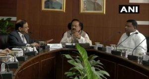 प्रदूषण पर चर्चा के लिए बैठक में नहीं आए इन राज्यों के मंत्री, हर्षवर्धन ने जताई नाराजगी