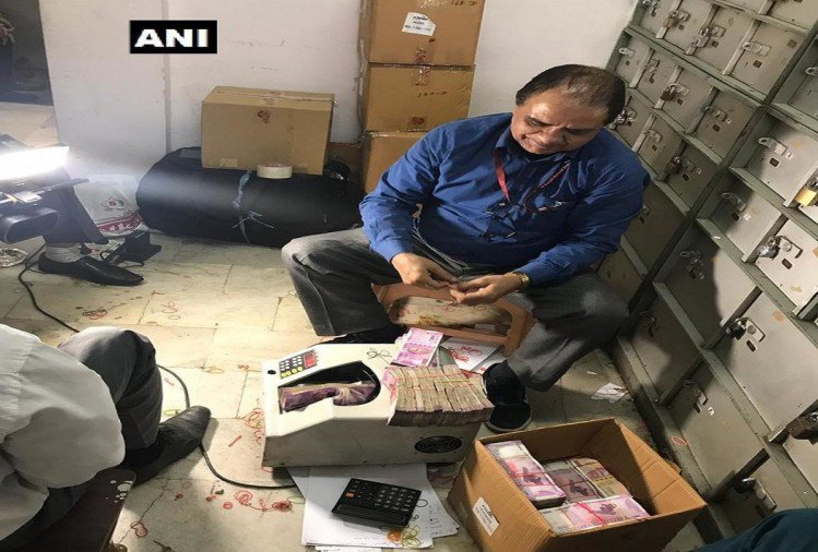 income-tax-department-raided_1543687708